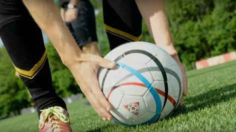 o11ce-undici-campioni-disney-xd-serie-tv-calcio-gabo-lorenzo-video