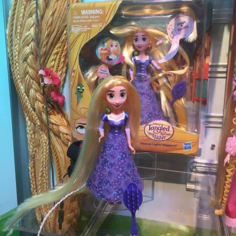 rapunzel-serie-tv-bambola3