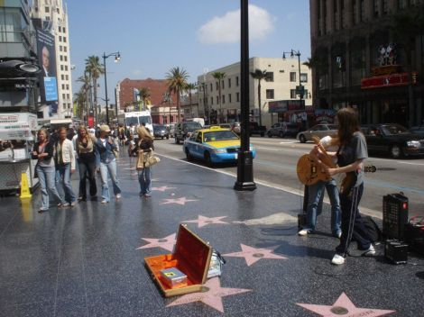 1200px-Hollywood_Walk_of_Fame