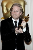 2) Il film ha ricevuto ben sei nomination agli Oscar, vincendo la statuetta per il miglior film animato. L'unico altro film d'animazione a raggiungere tale traguardo è stato La bella e la bestia.