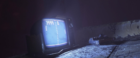 5) Nel camion dove vive, Wall-E ha creato una folta collezione dei più disparati oggetti trovati mentre svolgeva il suo lavoro di pulizia del pianeta, tra i quali possiamo scorgere una copia di Pong, uno dei primi videogiochi mai commercializzati, e un più moderno iPod.