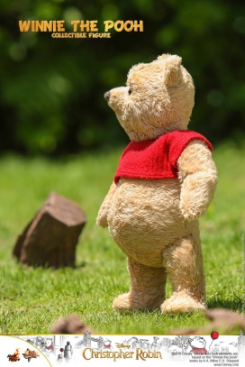 Hot Toys Winnie The Pooh (1)
