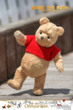 Hot Toys Winnie The Pooh (5)